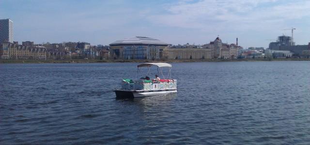 Прогулочные трамвайчики по озеру Кабан